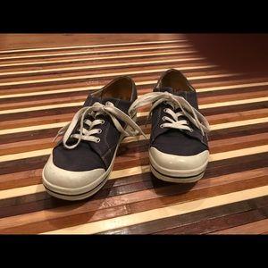 Dansko blue jean tennis shoes